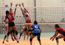 Accion-de-ataque-Xativa-voleibol-Superliga2-femenina