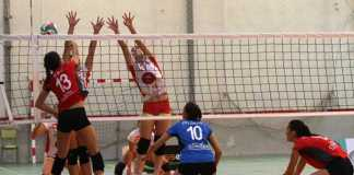 Accion-de-ataque-Xativa-voleibol-Superliga2-femenina