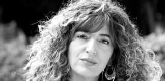"""Anna Moner presenta su libro """"La mirada de vidre"""" en la Biblioteca Municipal de Xàtiva"""