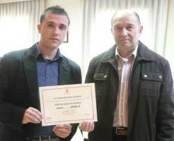El ganador del Rasca-Rasca y el concejal de Alzira