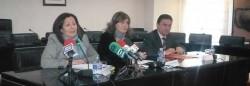 El conseller de Gobernación, Serafín Castellano y la consellera de Agricultura, Maritina Hernández, ayer en su visita a La Ribera
