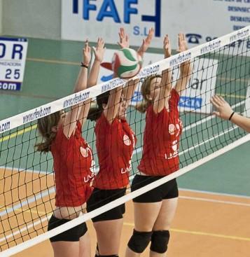 Triple bloqueo del Xàtiva Limset voleibol femenino